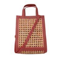 handväska av vinrött konstläder och äkta rottingväv